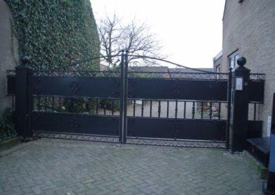 Eigen poort bij ingang