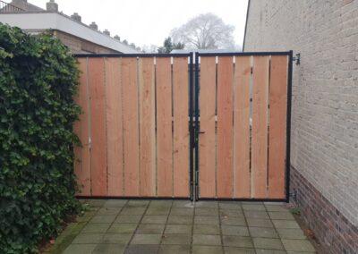Openzicht dubbele houten poort