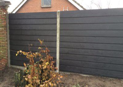 hout-betonschutting zwart